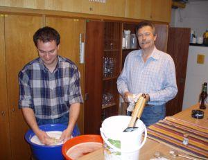 Bei uns waschen die Vorsitzenden das Geschirr noch selbst...