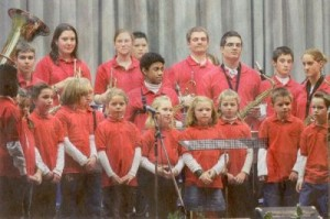 """Das Jugendorchester der Eintracht bot eine Kostprobe aus dem Musical """"Freude"""". (Foto: Georg)"""